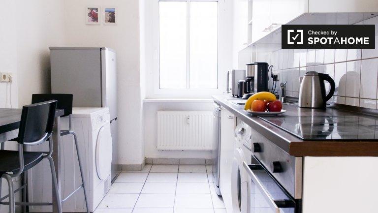Belo apartamento com 2 quartos para alugar em Friedrichshain