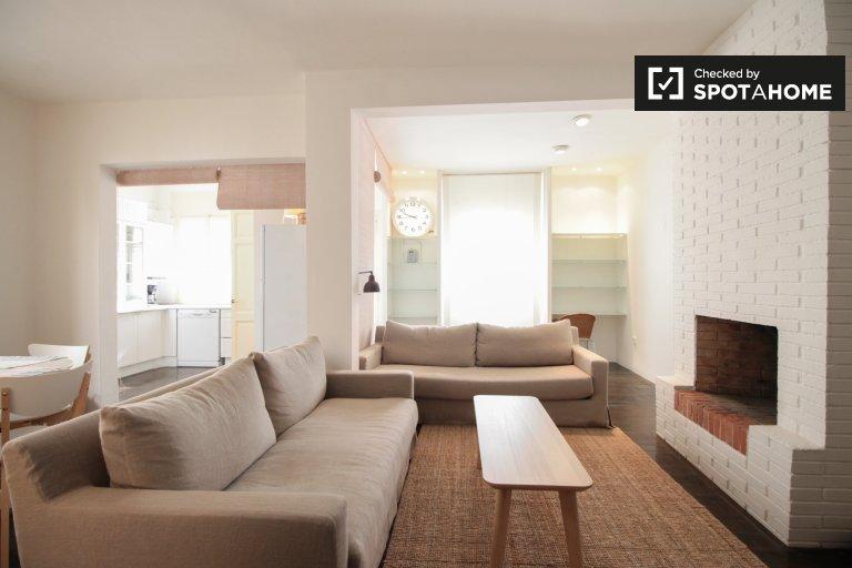 Wspaniały dom z 1 sypialnią do wynajęcia w Gràcia w Barcelonie