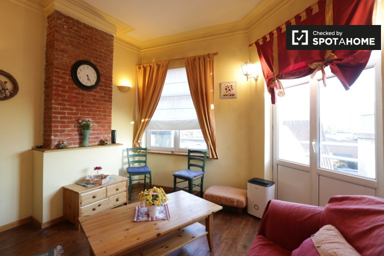 Colourful 2-bedroom apartment for rent in Evere, Brussels