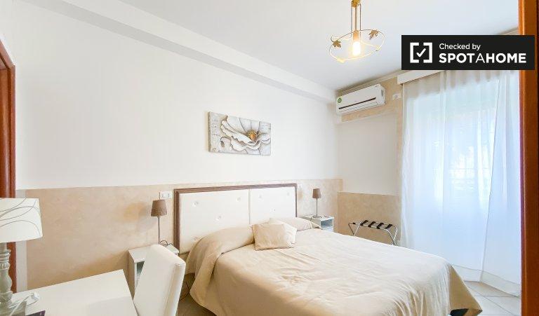 Roma'da ortak dairede oda