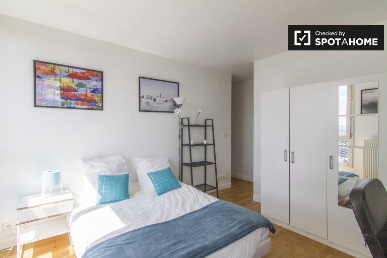 Chambre à louer dans un appartement de 4 chambres dans le 20ème arrondissement
