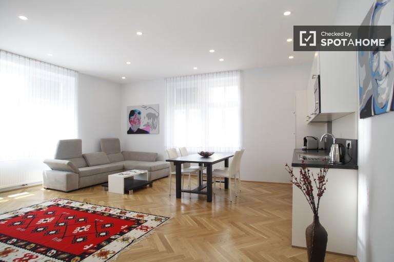 Modern 74m2 2-bedroom apartment for rent in the cultural hub of Landstrasse