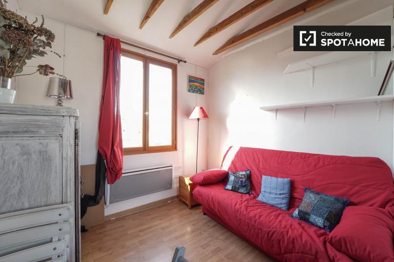 Charming studio apartment for rent in 17th Arrondissement