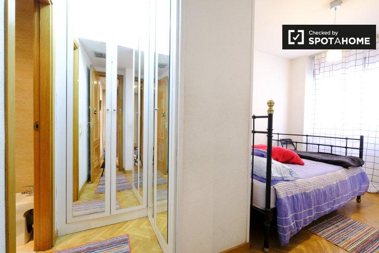 Preciosa habitación en alquiler en San Blas, Madrid