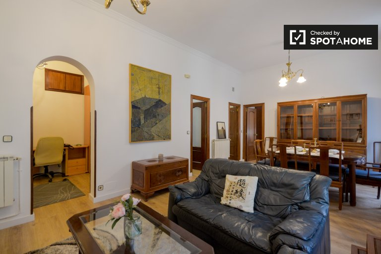 3-bedroom apartment with balconies for rent - Chueca, Madrid