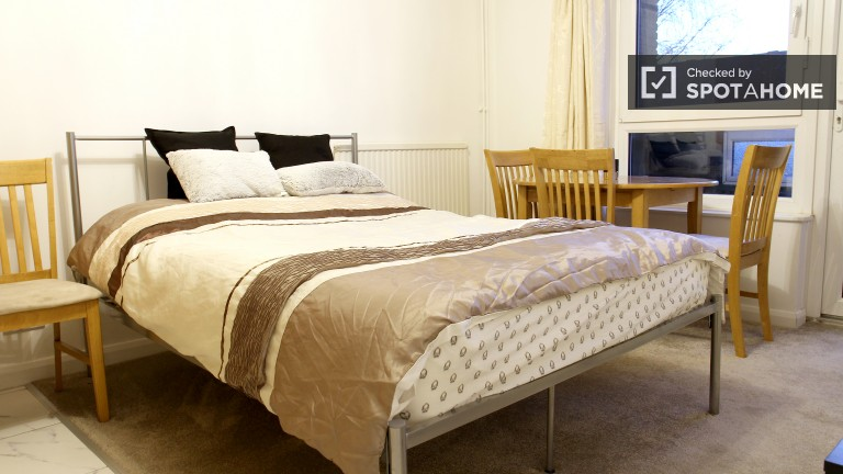 Bedroom 2 - Double Bed, Private Kitchen