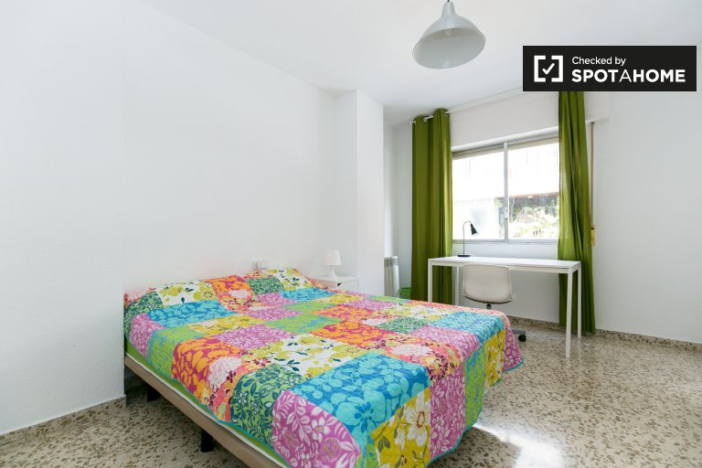 Furnished room in shared apartment in Ronda, Granada