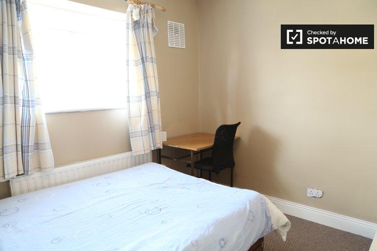 Chambre à louer dans une maison de 3 chambres à Tymon North, Dublin