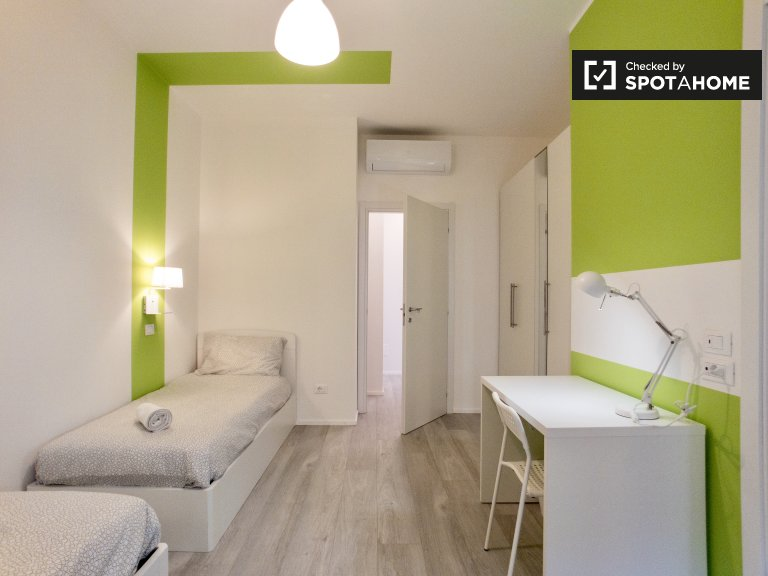 Bed for rent in room  in 4-bedroom apartment in Lambrate