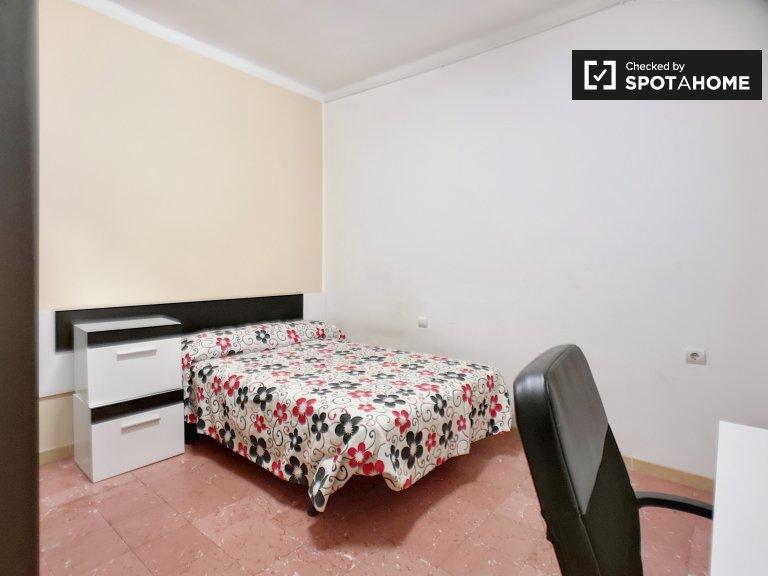 Quarto para alugar, apartamento de 5 quartos, linda Eixample Esquerra