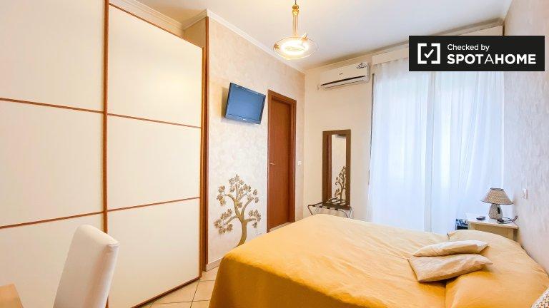 Helles Zimmer zur Miete in 3-Zimmer-Wohnung in Ostiense
