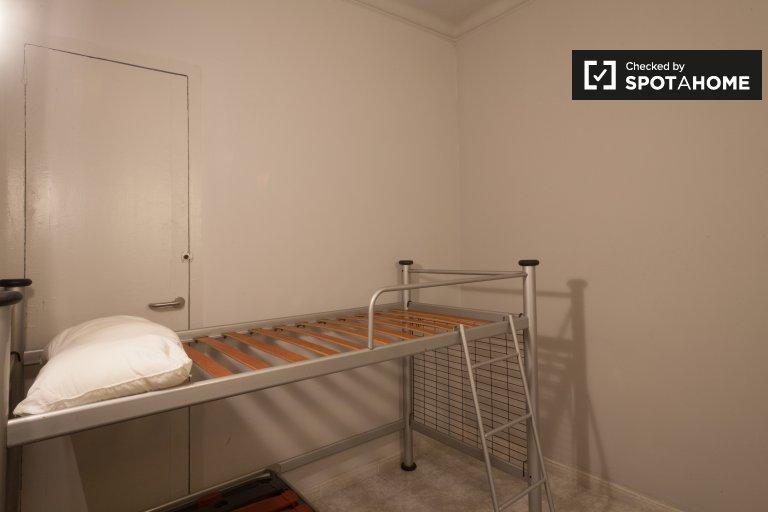 Pokój do wynajęcia w 2-pokojowym mieszkaniu w Eixample Dreta