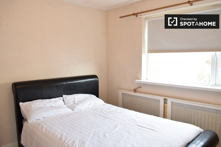 Charming room to rent in Glasnevin, Dublin