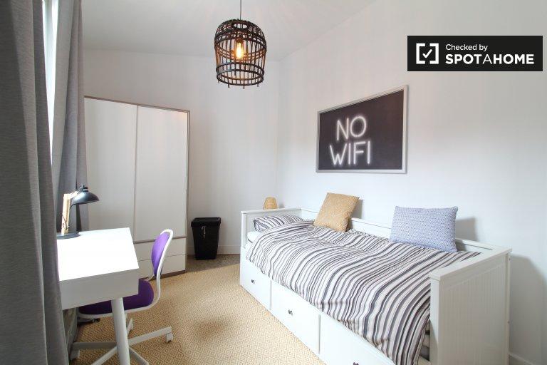 Pokój jednoosobowy do wynajęcia, apartament z 2 sypialniami, Molenbeek