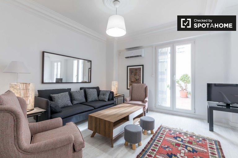 Apartamento de 3 dormitorios en alquiler en L'Eixample, Valencia