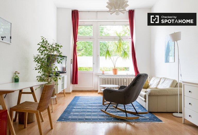 Kreuzberg'de 2 yatak odalı büyüleyici daire