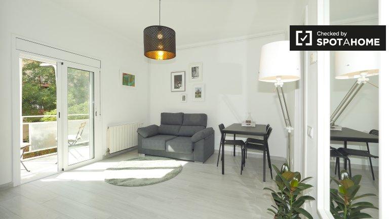 Cosy room in 3-bedroom flat in L'Hospitalet de Llobregat