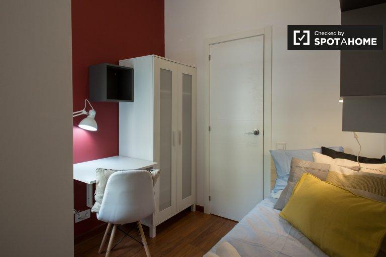 Barri Gòtic, Barselona'da 6 yatak odalı dairede rahat oda