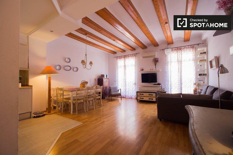 Élégant appartement de 2 chambres à louer à Ciutat Vella