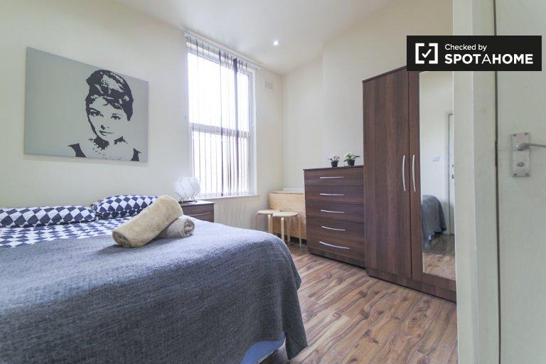 Studio confortable à louer, West Kilburn, Londres