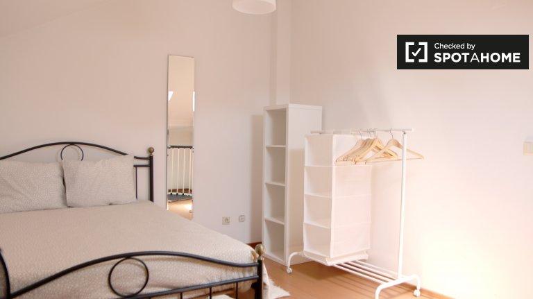 Gemütliches 1-Schlafzimmer-Haus zur Miete in Alcântara, Lisboa