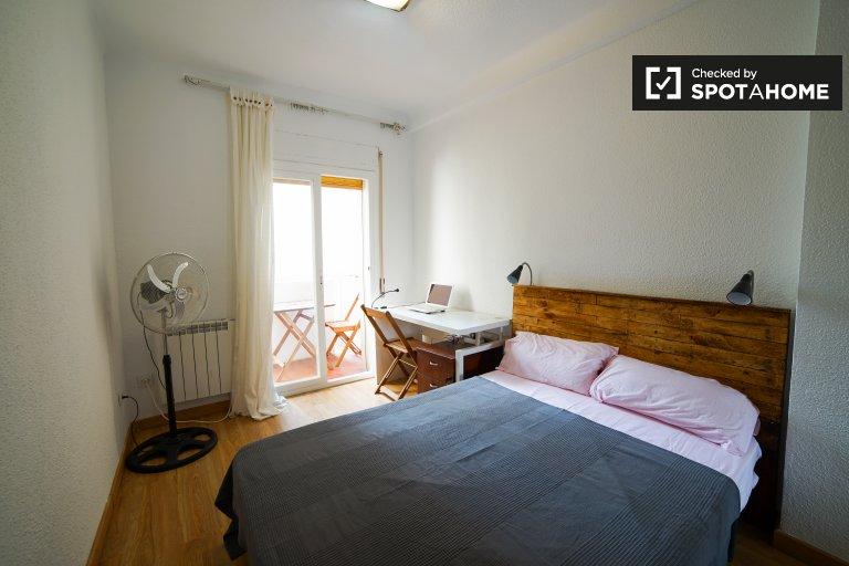 Wspaniały pokój do wynajęcia w Pacífico w Madrycie