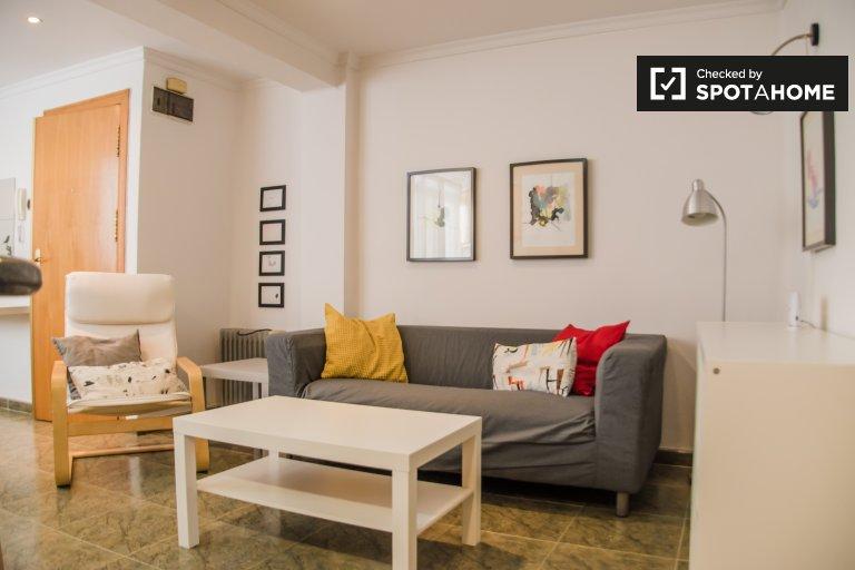 Ładne 2-pokojowe mieszkanie do wynajęcia w Benicalap, Valencia