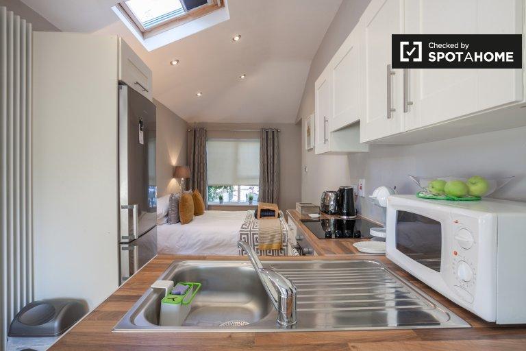 Stylish studio in private residence in Chapelizod, Dublin