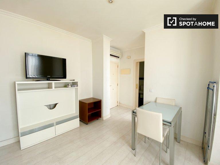 Minimalistische 1-Zimmer-Wohnung zur Miete in L'Eixample