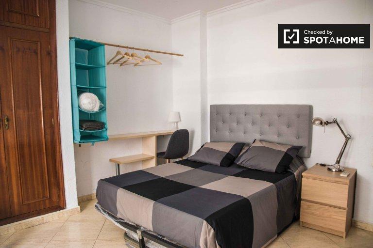 Pokój do wynajęcia, 6-pokojowe mieszkanie, Ciutat Vella, Walencja