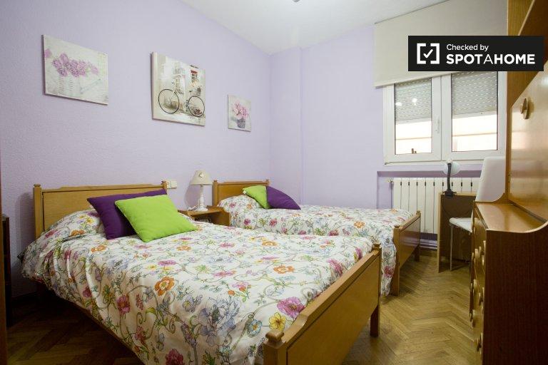 Chambre confortable à louer à Las Rosas, Madrid