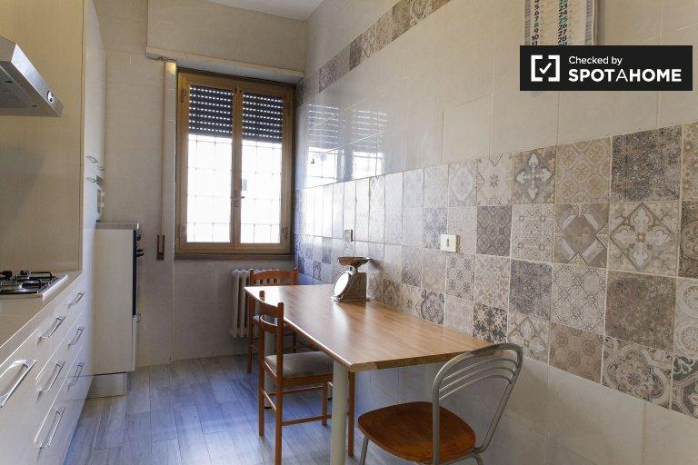 Apartamento de 5 quartos para alugar em Nomentano, Roma