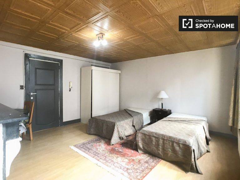 Ładne mieszkanie typu studio do wynajęcia w Saint Josse, Bruksela