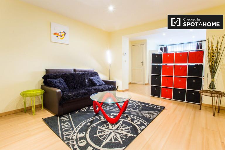 2-pokojowe mieszkanie do wynajęcia w Etterbeek, Bruksela