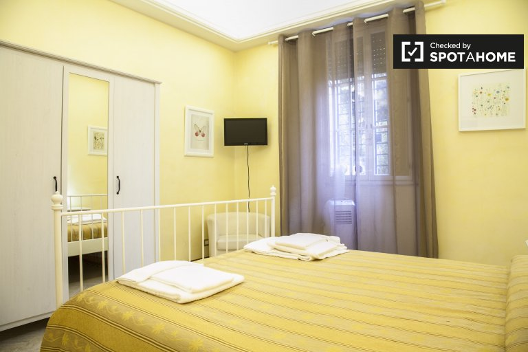 Double Bed in Rooms for rent in modern 3-bedroom apartment for rent in Prati