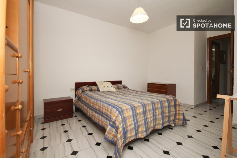 Bedroom 4 - Double bed