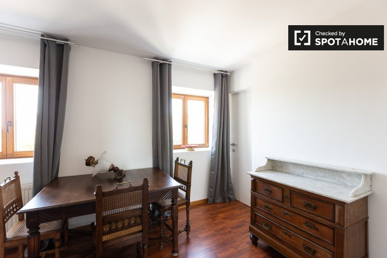 Stylish room for rent in 2-bedroom apartment in Huldenberg