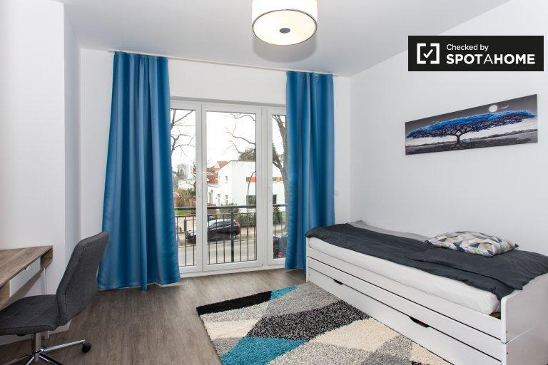 Pokój w apartamencie z 4 sypialniami w Steglitz-Zehlendorf