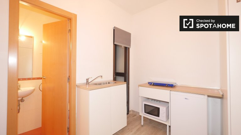 Small studio apartment for rent in l'Esquerra de l'Eixample
