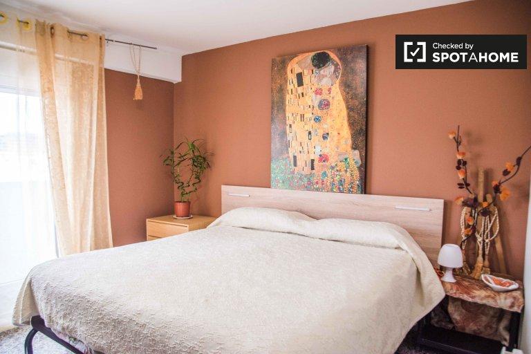 4-pokojowe mieszkanie do wynajęcia w Camins al Grau, Valencia