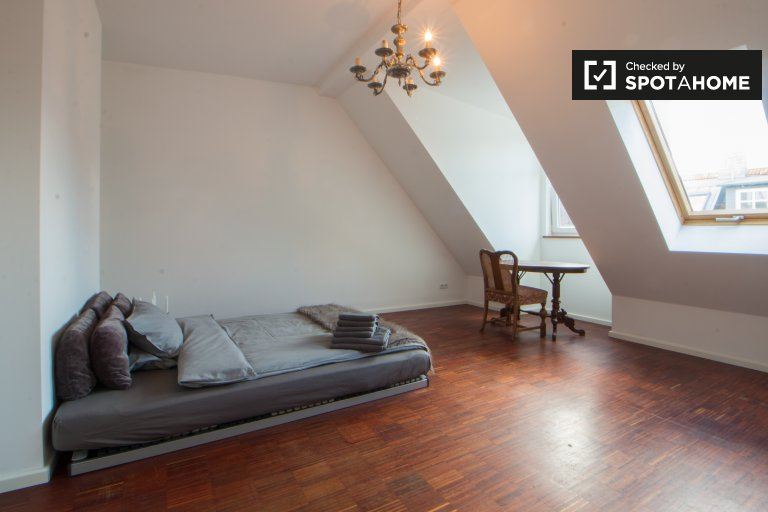 Double Bed in Rooms for rent in a luminous 4-bedroom apartment with terrace in Prenzlauer Berg