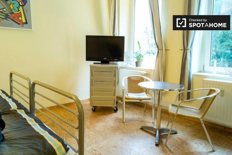 Charmante 1-Zimmer-Wohnung zur Miete in Neukölln, Berlin