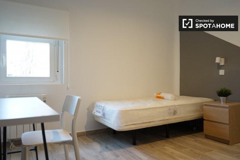 Camera in affitto in appartamento con 2 camere da letto a Getafe, Madrid