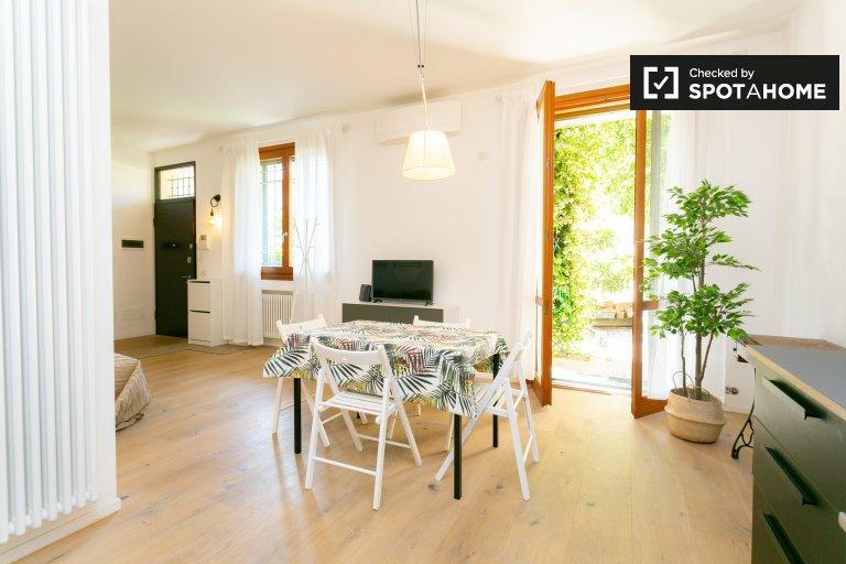Villa de 3 dormitorios en alquiler en Isola, Milán