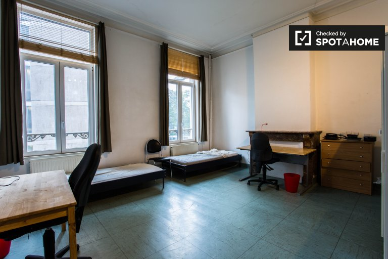 Saint Josse'teki apartman dairesinde döşenmiş, Brüksel