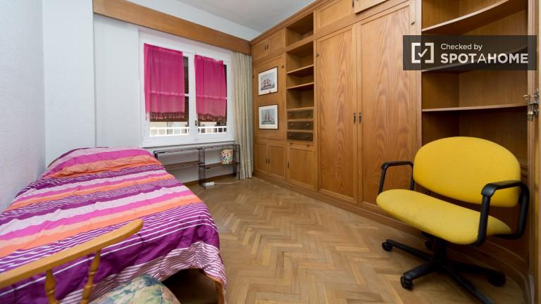 Room 4: Double Bedroom