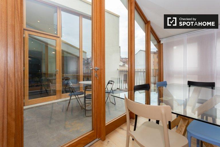 Elegante apartamento de 3 dormitorios en alquiler en Sempione, Milán