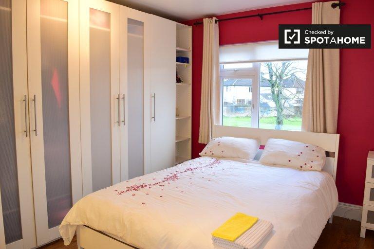 Sunny room in 4-bedroom houseshare in Firhouse, Dublin