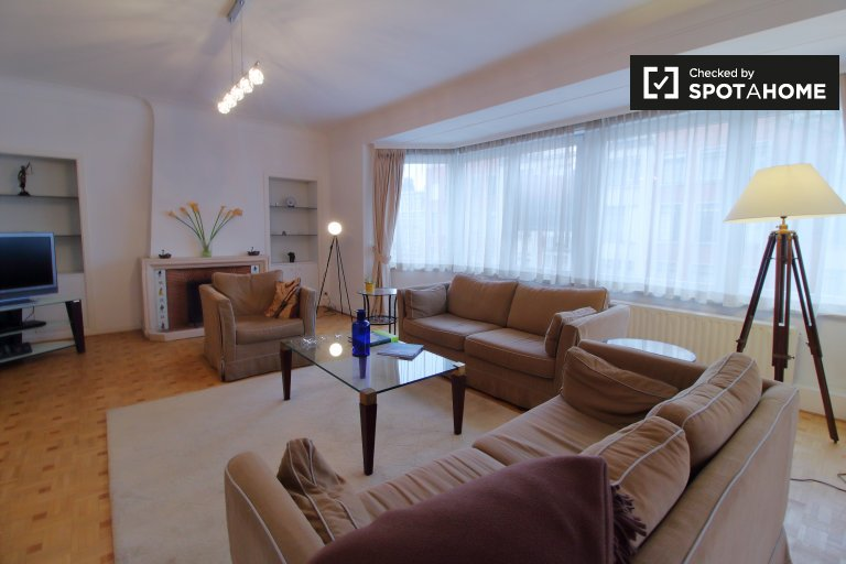 Amazing 4-bedroom apartment for rent in Ixelles, Brussels