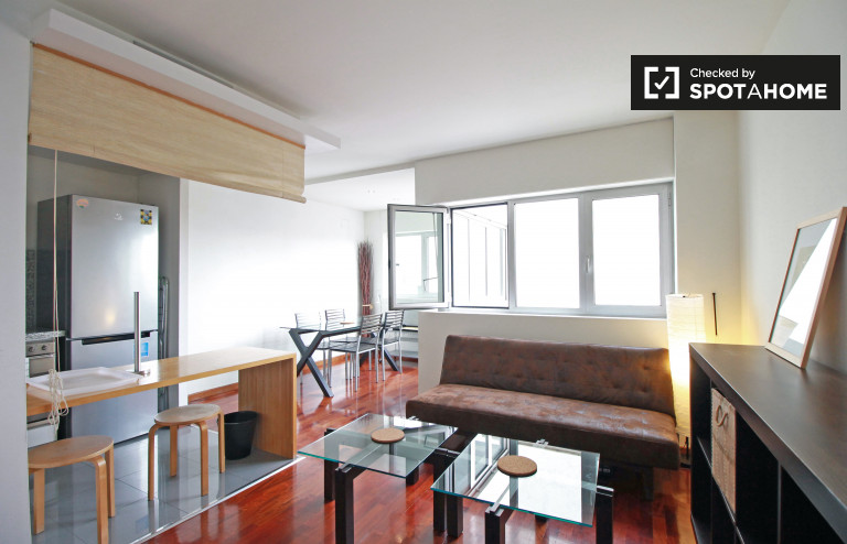 Modern 1-bedroom apartment with AC for rent in Eixample Esquerra